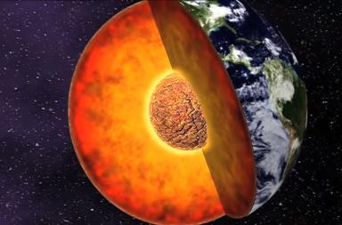 دراسة حديثة تكشف أن لب الأرض يسرب بالفعل وظيفة المجال المغناطيسي الأرضي طبقات الأرض اللب الوشاح كيف تخرج الصهارة من باطن الأرض