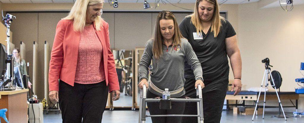 علاج جديد لا يصدق يساعد مرضى الشلل على المشي لمرةٍ أخرى