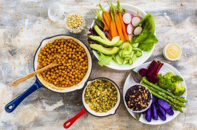 المغذيات الكبيرة - المغـذيات هي مواد نحتاجها للنمو ولوظائف الجسم الأخرى ولأنها مصدر للطاقة - التزود بالطاقة اللازمة لوظائف الجسم