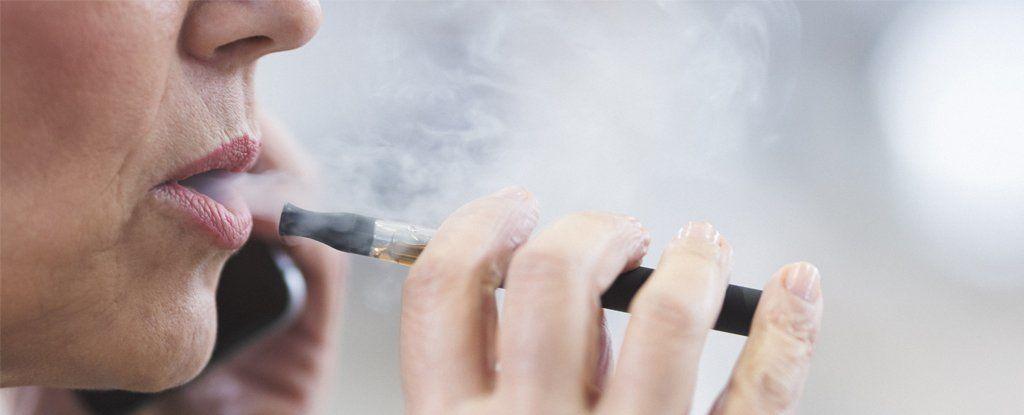 السجائر الإلكترونية تعني مسرطنات أقل، لكنها تأتي بهذه المخاطر الأخرى