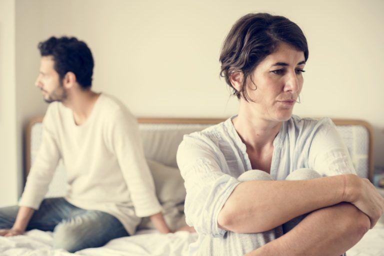 أسباب انخفاض الرغبة الجنسية عند الرجل أسباب انخفاض الرغبة الجنسية عن الأنثى عدم القدرة على ممارسة الجنس مع الزوجة النفور من العلاقة الجنسية