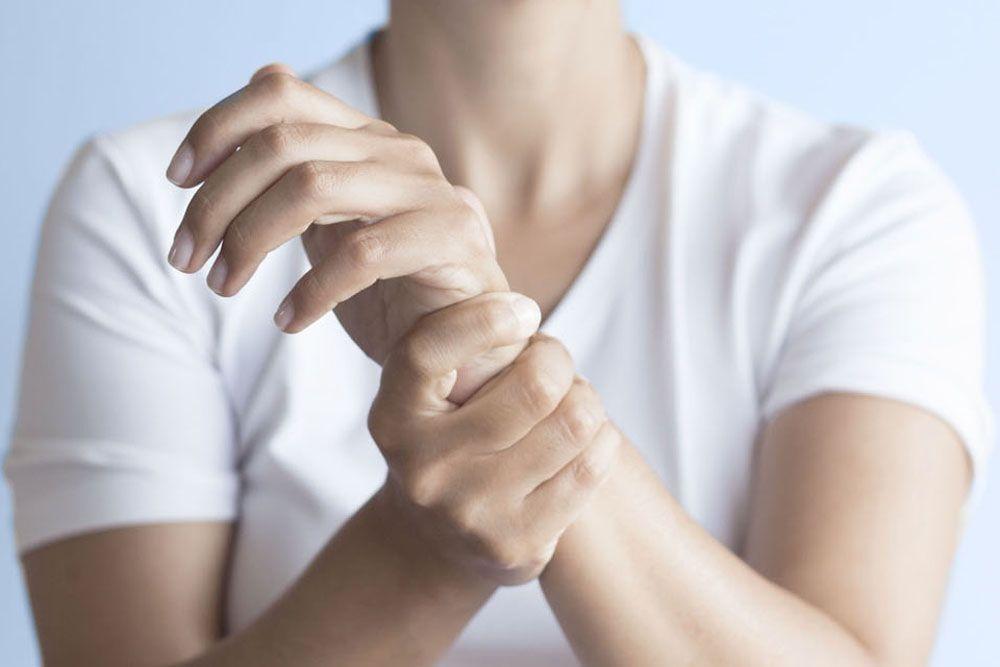 التصلب المجموعي (تصلب الجلد): الأسباب والأعراض والتشخيص والعلاج