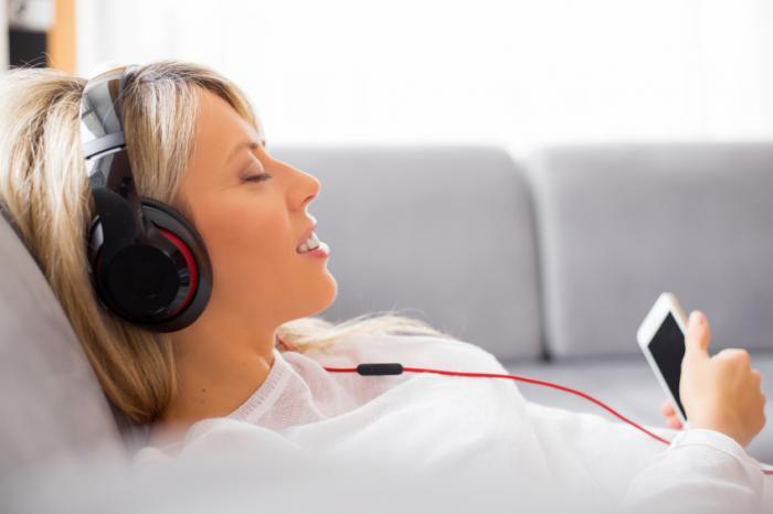 الاستماع للموسيقى يقضي على الألم ويخفف الالتهاب تحسين فعالية الأدوية الجهاز العصبي الألم المزمن الالتهابتنظيم البروتينات المحرضة على الالتهابات