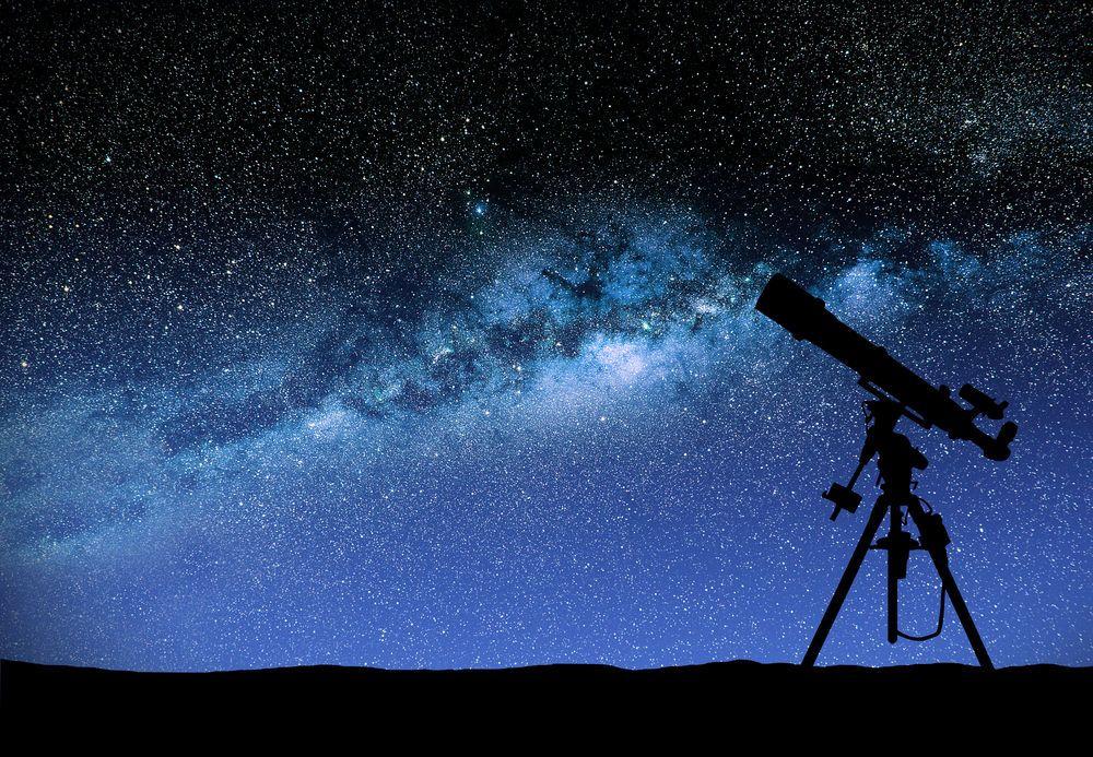 مفارقة أولبرس: إذا كان في الكون عدد لانهائي من النجوم فلماذا لا تضيء السماء ليلًا؟