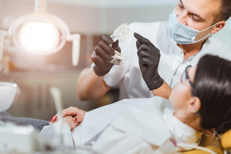 مرض رئوي غامض يصيب أطباء الأسنان