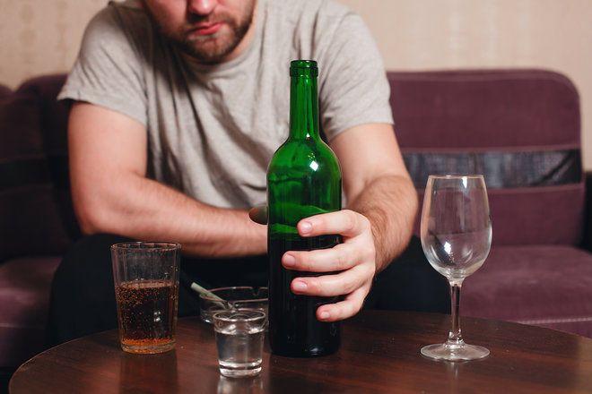 هل تتحول لشخصٍ حقيرٍ بعد شُربك للكحول؟ العلم يُجيبك لماذا