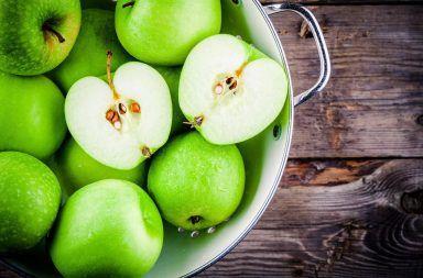 كل ما تريد معرفته عن التفاح فوائد التفاح الصحية حقائق غذائية حول الفاكهة تاريخه تأثير التفاح على الأسنان أضرار تناول بذور التفاح