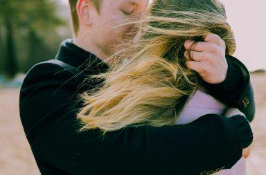 هل الحب كافٍ؟ إليك 10 أسباب تحتم عليك البحث عن شخص يفهمك أولًا ما هي أهمية وجود أشخاص يفهمونك في حياتك كيف تجعل أصدقاءك يفهمون مشاعرك