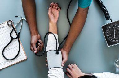الوذمة اللمفاوية: الأسباب والأعراض والتشخيص والعلاج Lymphedema أو الانسداد اللمفاوي الجهاز اللمفاوي الجهاز المناعي تجمع السوائل