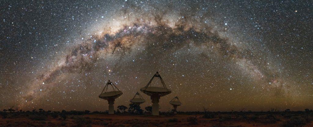 مرصد أسترالي متطوّر يرصد سلسلة من التدفقات لإشارات راديو غامضة في الفضاء خلال عام واحد فقط
