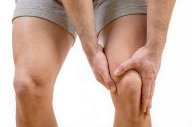 ماذا تعرف عن إصابة الرباط الصليبي الأمامي الحزم النسيجية التي تربط العظام معًا في مفصل الركبة حركة مفاجئة الدوران بسرعة بزاوية حادة أثناء الجري أو القفز