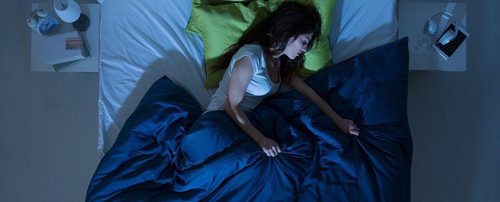 كم مرة يجب عليك غسل غطاء السرير الخاص بك؟