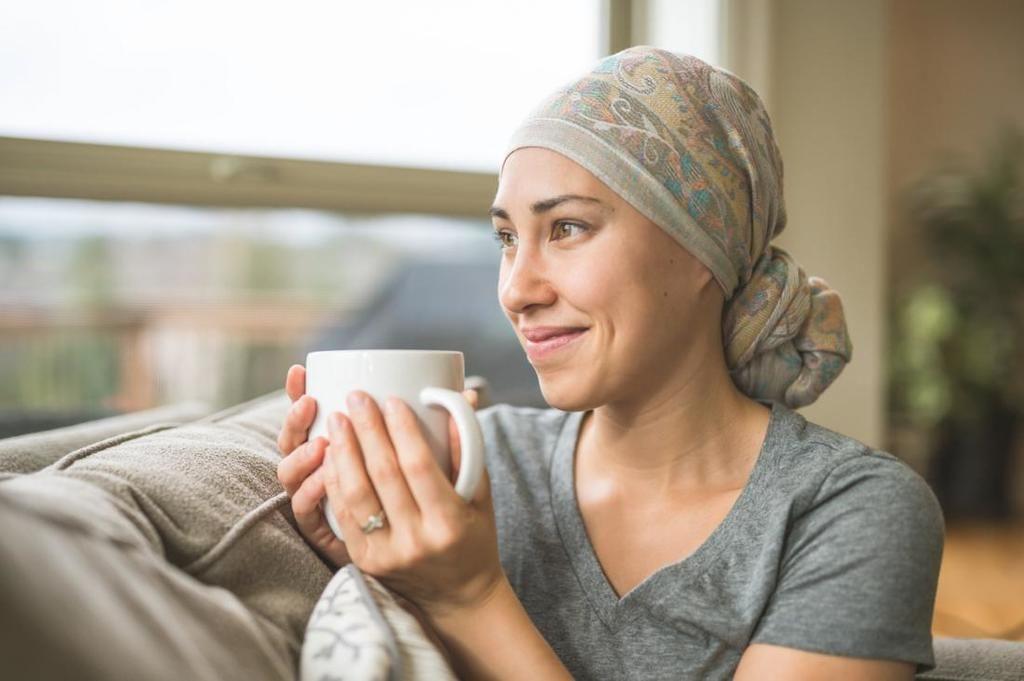 لماذا يسبب العلاج الكيميائي للسرطان تساقط الشعر؟