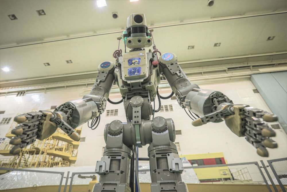 إرسال روبوت شبيه بالبشر إلى محطة الفضاء الدولية الأسبوع المقبل وكالة الفضاء الروسية روسكوزموس تصميم كائن فضائي ذو صفات بشرية