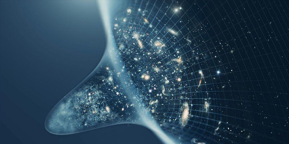 ما هي المعتقدات والأفكار التي دفعن العلماء إلى الخروج بنظرية الانفجار الكبير ؟ لماذا تعتبر نظرية الانفجار العظيم لنشوء الكون حقيقة علمية؟