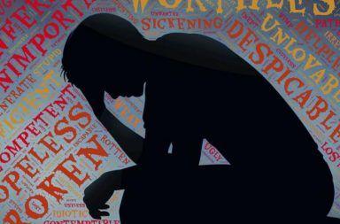 أسباب الإصابة بالاكتئاب أعراض الاكتئاب الأسباب والأعراض والتشخيص والعلاج مضادات الاكتئاب العلاج النفسي مرض وراثي الطبيب النفسي