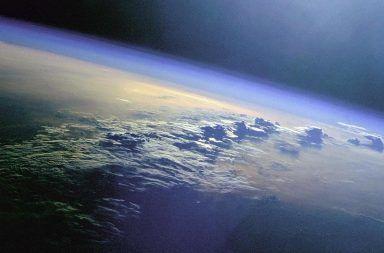 كيف تكون الغلاف الجوي ما هي محتويات الغلاف الجوي للأرض الأكسجين النيتروجين الهيدروجين ثاني أكسيد الكربون ضوء الشمس التنفس