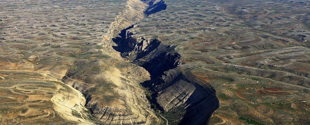 كيف يمكن للذكاء الصناعي أن يحل مشكلة الزلازل المميتة؟