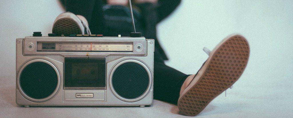 لماذا نتوقف عن استكشاف أنواع موسيقى جديدة بعد سن الثلاثين؟