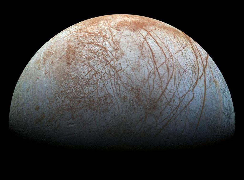 المياه تملأ نظامنا الشمسي، فماذا يعني وجودها بالنسبة لاحتمالية وجود حياة؟