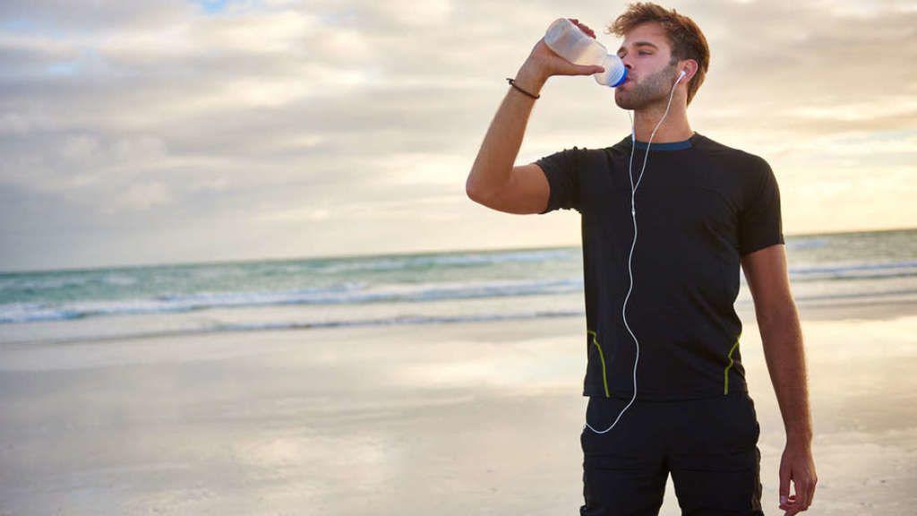 ما المدة التي يستطيع فيها الإنسان البقاء على قيد الحياة دون ماء؟