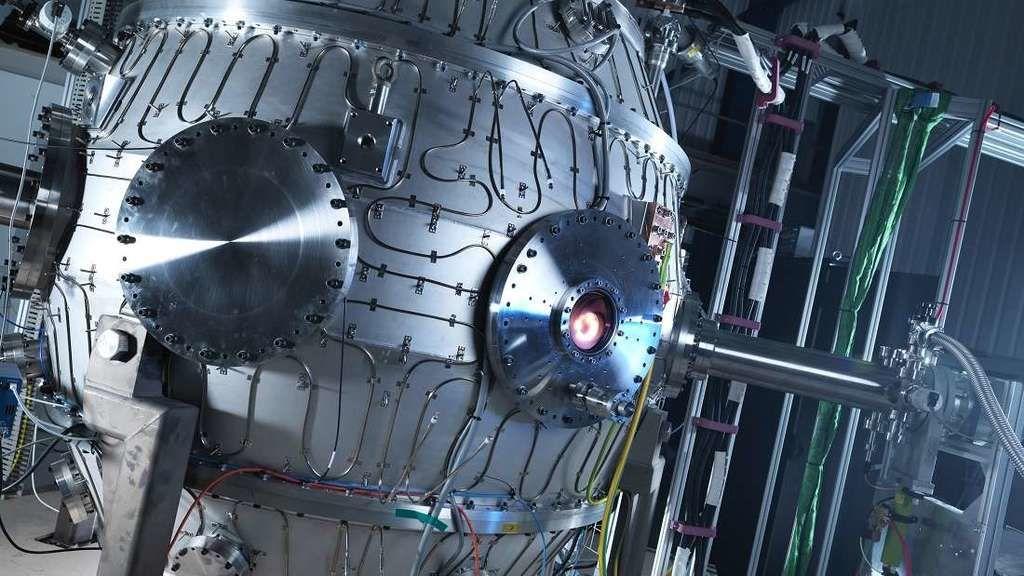 مفاعل اندماج نووي مصغر يصل لدرجة حرارة أعلى من درجة حرارة الشمس