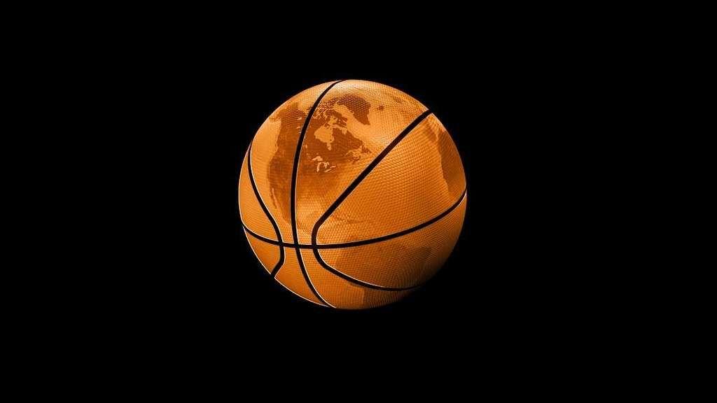 مصور فوتوغرافي يحبط فكرة الأرض المسطحة باستخدام كرة سلة