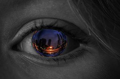 معرفة السبب وراء علاج السرطان الذي يمنح المرضى قدرة الرؤية الليلية - الرؤية أفضل في الظلام - استخدام الضوء لتدمير الخلايا السرطانية