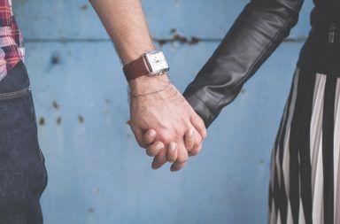 المراهقون الذين يتحاشون المواعدة أقل عرضةً للاكتئاب المراهقين الذين لم يخوضوا تجارب المواعدة الحب خلال فترة المراهقة الخوض بعلاقة عاطفية