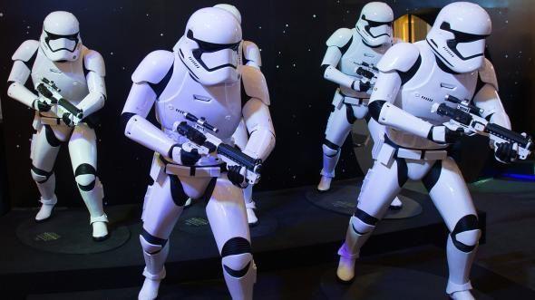 كيف يمكن لسلسلة أفلام حرب النجوم Star Wars أن تُقدِّم العِلم لأطفال الأرض
