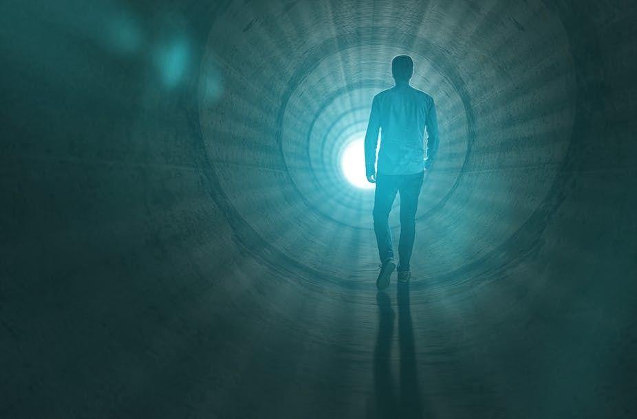 ما هو التفسير العلمي لتجربة الاقتراب من الموت ؟