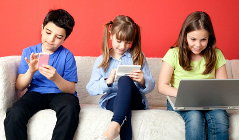 هل يعاني طفلك من الإدمان الرقمي؟