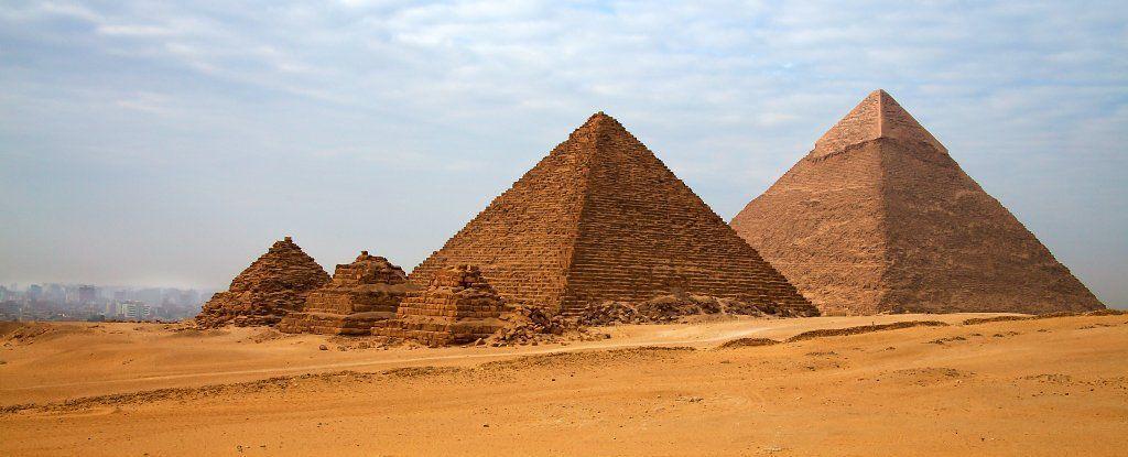 اكتشاف السر: لماذا الأهرامات مرصوفة بهذا الشكل الفريد؟