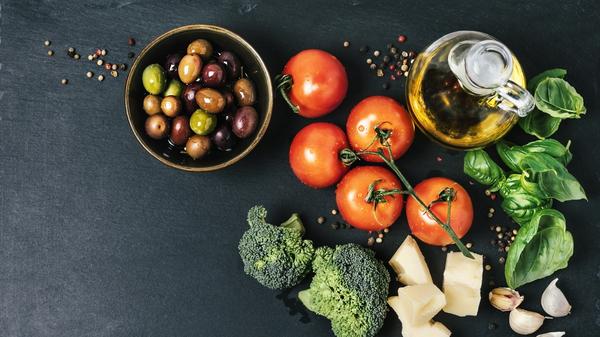 هل يؤثر نظامنا الغذائي على صحتنا العقلية؟ - تأثير الغذاء على الصحة - تأثير الطعام على الصحة العقلي - الطب النفسي الغذائي - للمخ - الصحة العقلية