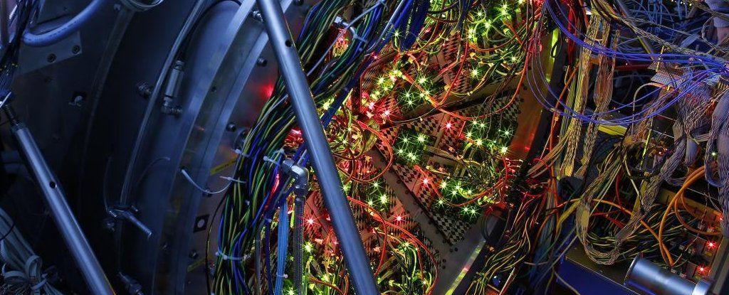 كن مستعدًا، استطاعت مسرعات الجسيمات لتوها توليد تصادم النجوم النيوترونية قياس درجات حرارة سطح التصادم الخارجي لنجمين نيوترونيين