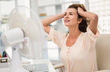 الهبات الساخنة الأسباب والأعراض والتشخيص والعلاج كيفية التعامل مع الهبات الساخنة أسباب انقطاع الطمث أعراض انقطاع الحيض فرط نشاط الغدة الدرقية