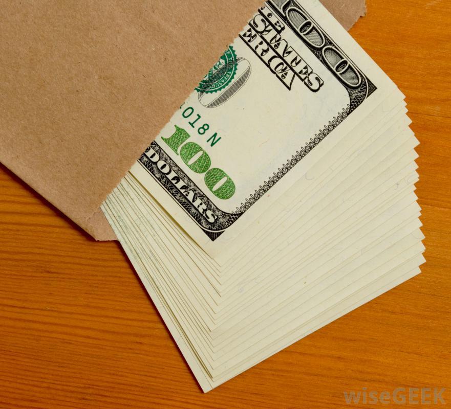 فائض التدفقات النقدية - مصطلح يُستخدم في اتفاقيات القروض وعقود السندات - يشير المصطلح إلى نسبة من التدفقات النقدية للشركات