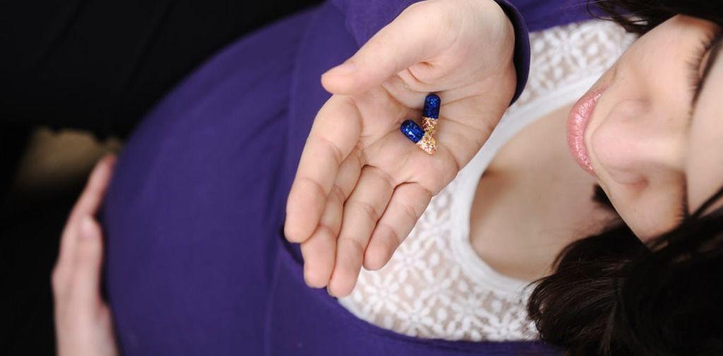 ما تأثير استخدام مضادات الاكتئاب أثناء الحمل على صحة الجنين العقلية؟
