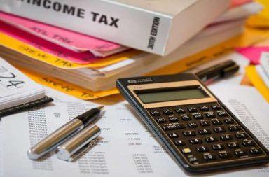 ما هي تداعيات تأثير الدخل - الطريقة التي ينفق بها المستهلك نقوده بناءً على ارتفاع أو إنخفاض دخله - زيادة الطلب على السلع والخدمات