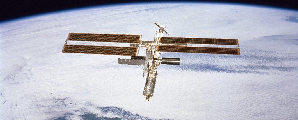 ثقب محطة الفضاء الدولية يعود إلى الواجهة: لم يكن السبب عيبًا في التصنيع
