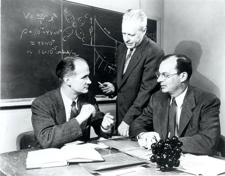 تاريخ الحواسيب: نبذة مختصرة ما هو أول حاسوب في العالم حاسوب آلن تورينغ آلة تورينغ مخترع الحاسوب بداية ظهور الذواكر والمعالجات الرقمية
