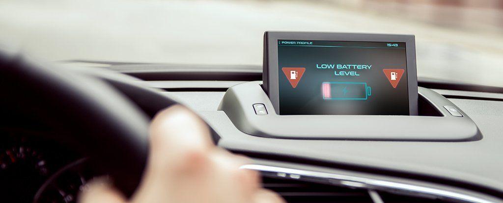 يقترب العلماء من تصنيع بطارية سيارة تُشحن أثناء القيادة
