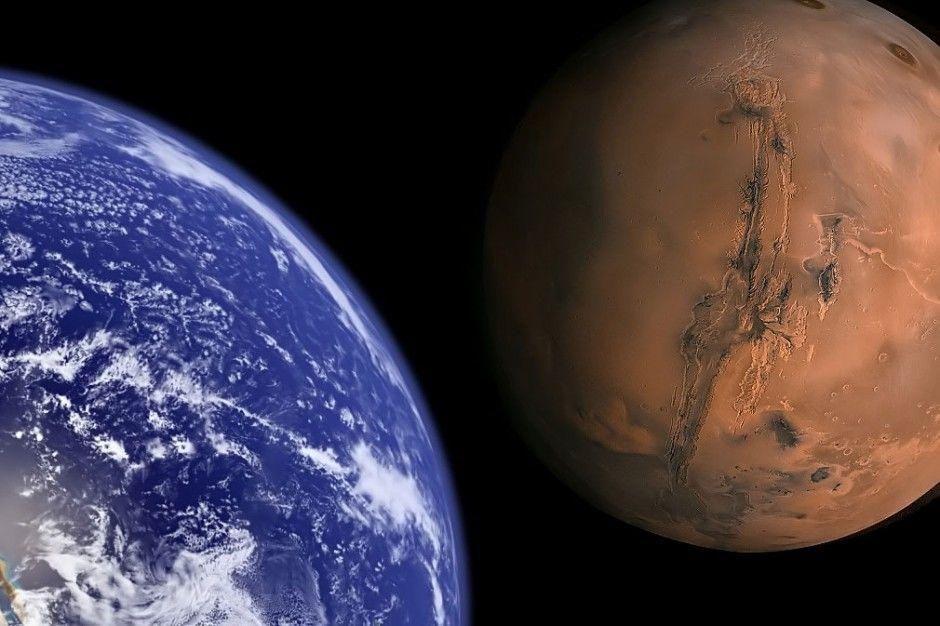 ماذا لو بادلنا أماكن كوكبي الأرض والمريخ؟