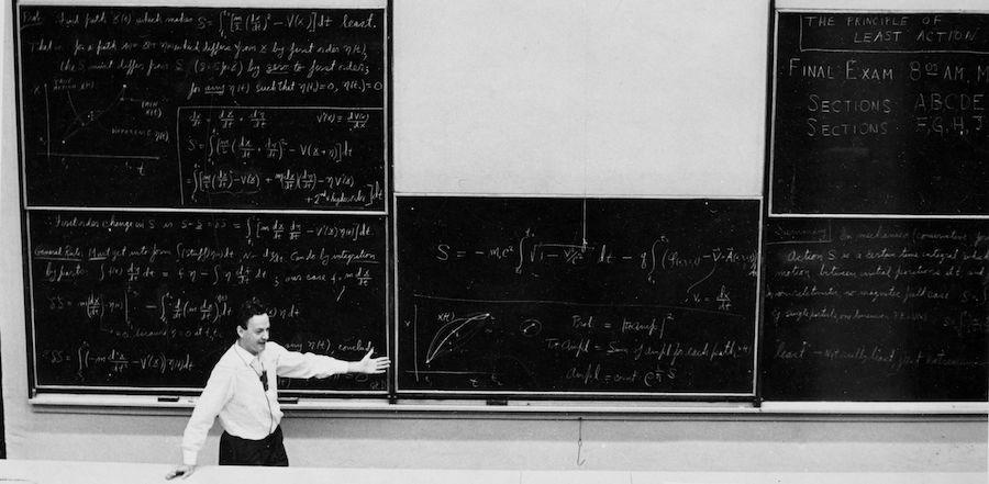نظرةٌ داخل دفتر حسابات التفاضل والتكامل لـ (فاينمان-Feynman)