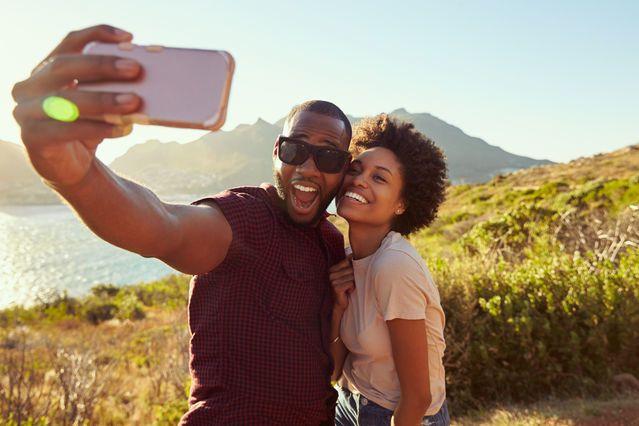 علاقات الصداقة خلال المراهقة تتنبأ بالإشباع العاطفي في العلاقات العاطفية مستقبلًاالمواعدة العاطفة الجنس المراهقين التجارب الجنسية