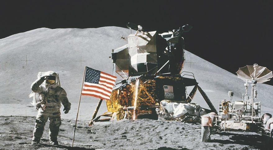 لماذا نريد العودة إلى القمر هل يخطط رواد الفضاء للعودة إلى القمر مرة أخرى الهبوط على سطح القمر مهمة أبولو 11 استكشاف الفضاء