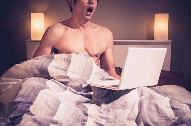 هل تسبب الأفلام الإباحية العجز الجنسي؟