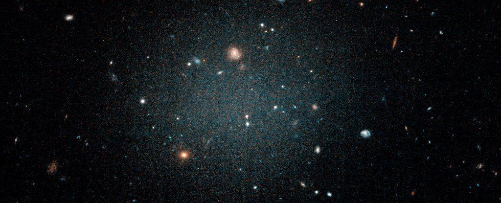 اكتشفنا للتوّ مجرّة بدون مادّة مظلمة، والفلكيّون متخوّفون