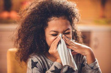 التهاب الأنف غير التحسسي nonallergic rhinitis الأسباب والأعرض والتشخيص والعلاج بطانة الأنف ملتهبةً ومنتفخةً نزلة البرد الحكة في البلعوم