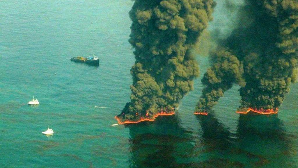 تاريخ تسرب النفط في المحيط أسباب تسرب النفط في المحيط التسرب النفطي ناقلات النفط البحرية البنزين خليج المكسيك ناقلات البترول